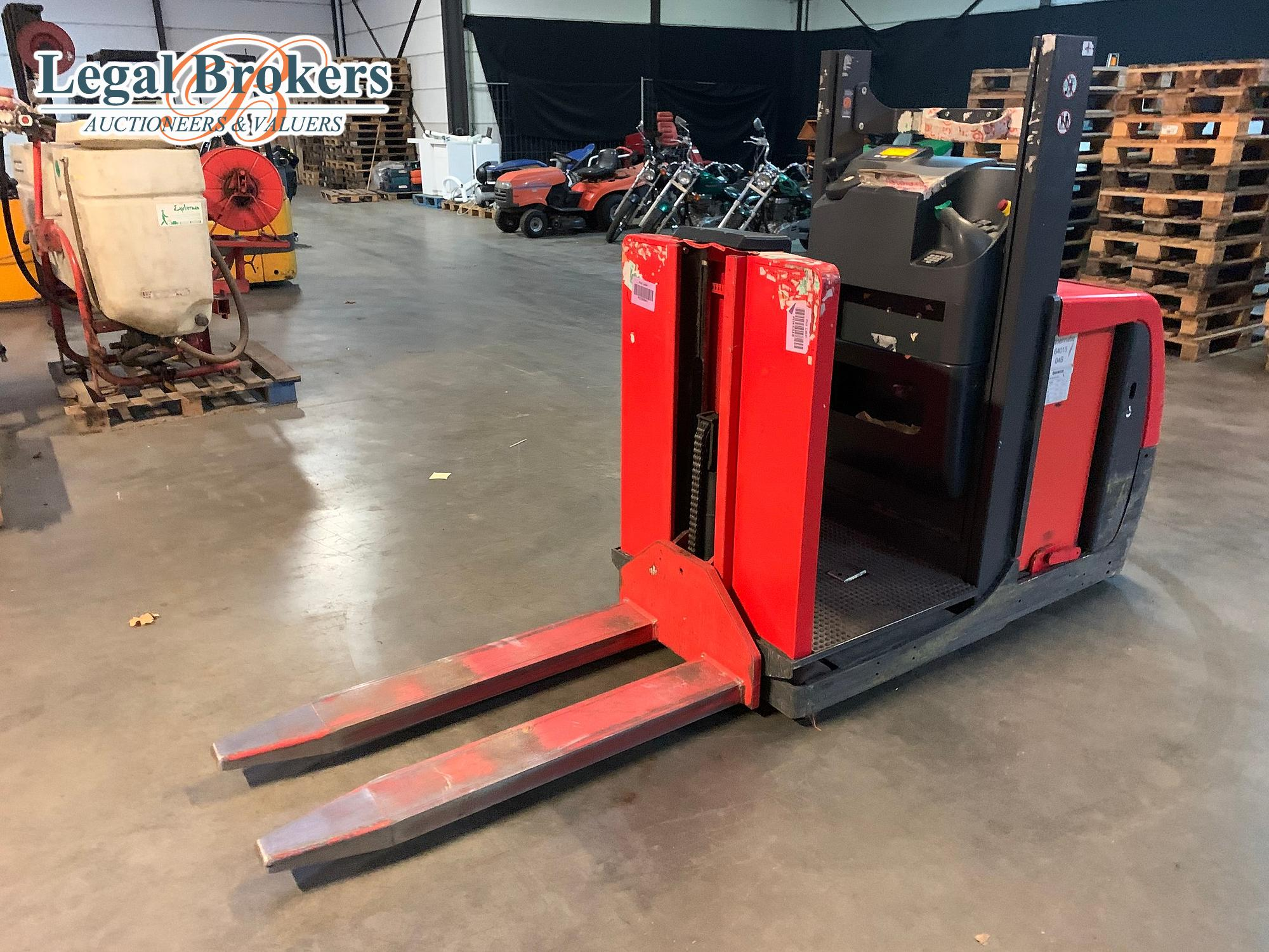 Forklifts trucks Machinery auction
